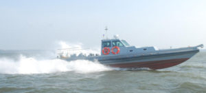 35-knots-heigh-speed-boat
