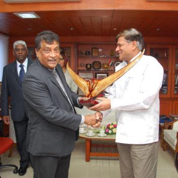 CMd sir with Mauritius secretary
