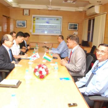 28 Mar Myoung Jin Chang Minister DAPA South Korea Delegation during DEFEXPO DSC 0008